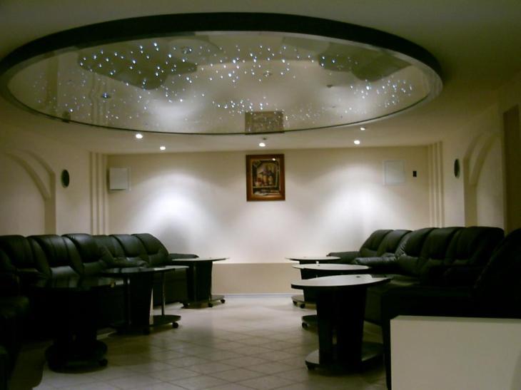 Зеркальные натяжные потолки (фото)